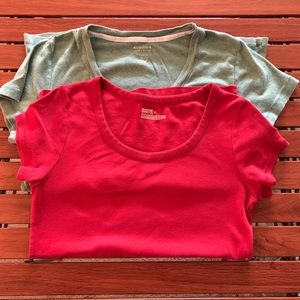 Lot of 2 t shirts.Sonoma in green & Mossimo in red